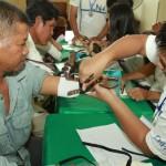Prosthetic hand give
